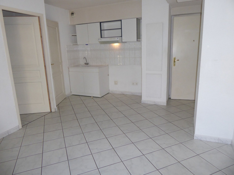Location appartement Aubenas 440€ CC - Photo 2