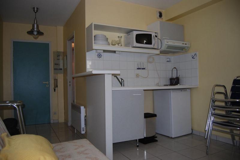 Rental apartment La rochelle 508€ CC - Picture 2