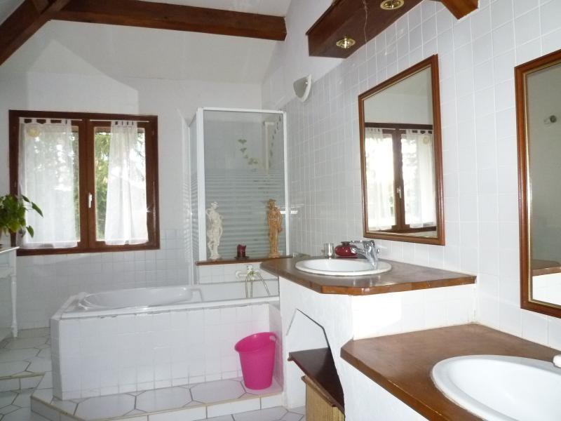 Sale house / villa St remy en rollat 196000€ - Picture 8
