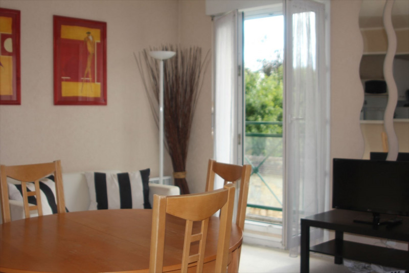 Location appartement Fontainebleau 987€ CC - Photo 1