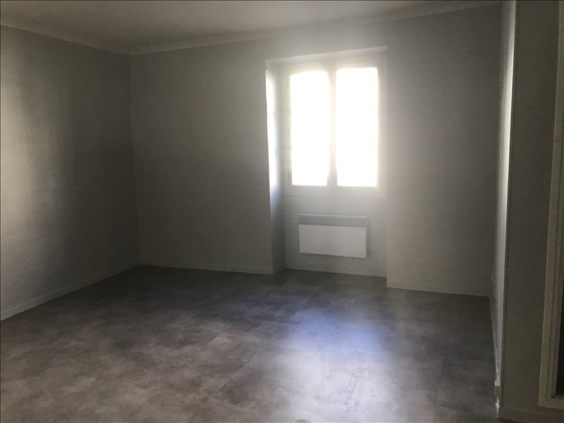 Location appartement Nimes 782€ CC - Photo 3