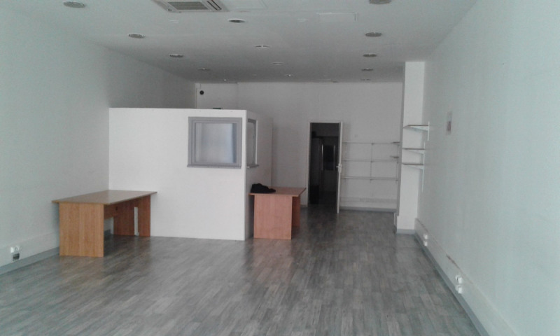 Location local commercial Paris 2ème 3 200€ HC - Photo 1