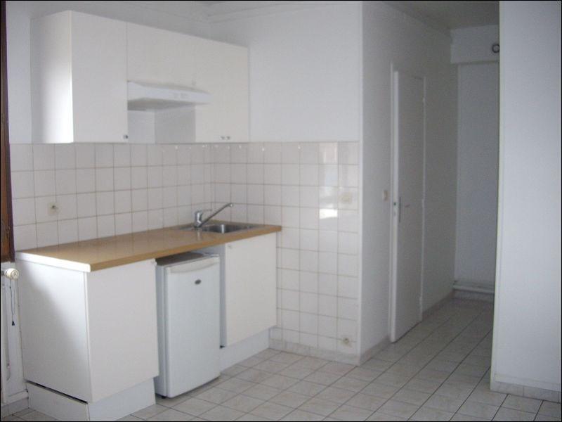Rental apartment Montgeron 625€ CC - Picture 1