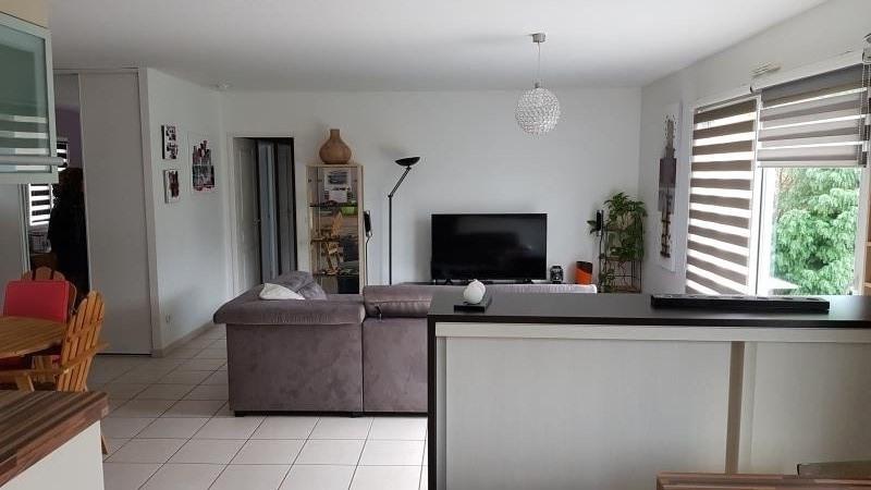 Location maison / villa Iteuil 700€ CC - Photo 2