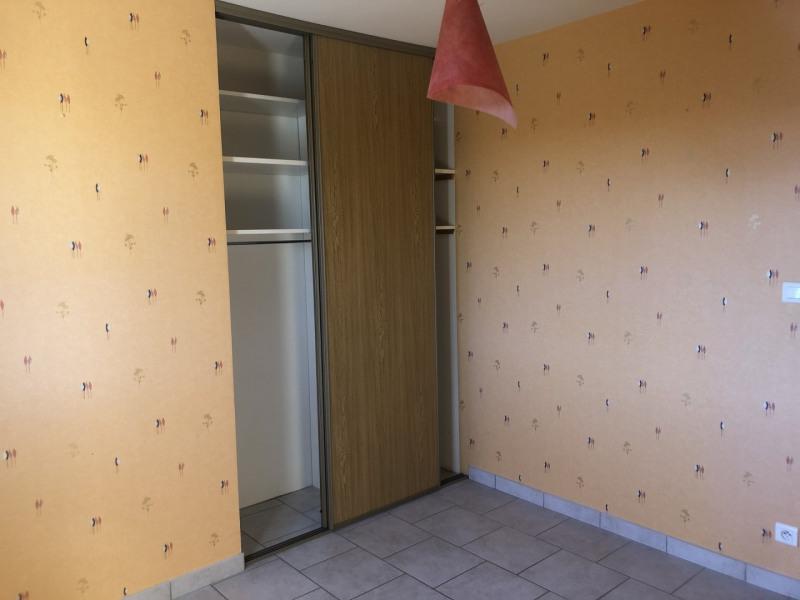 Revenda casa Montseveroux 270000€ - Fotografia 8
