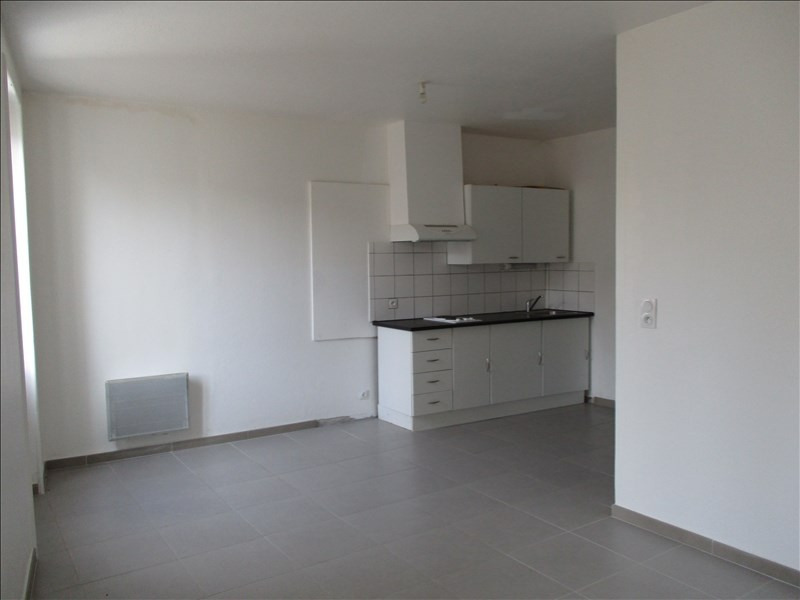 Rental apartment Montelimar 383€ CC - Picture 1