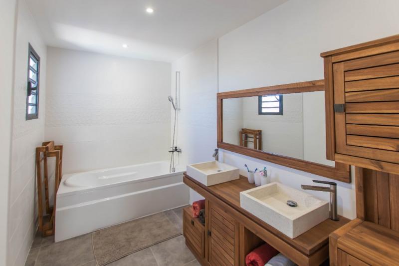 Deluxe sale house / villa Saint gilles les bains 605000€ - Picture 7
