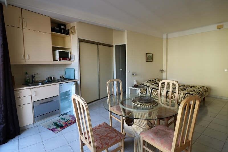 Sale apartment Cannes 182000€ - Picture 2