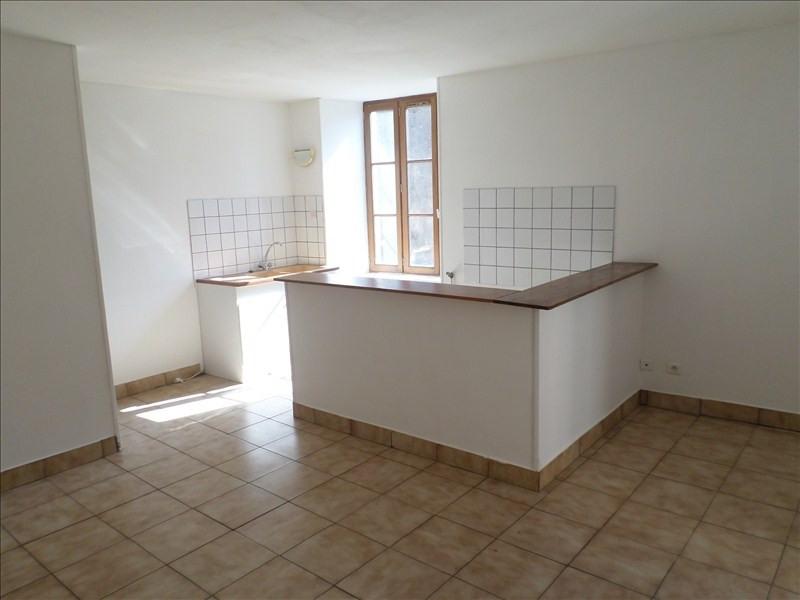 Location appartement Lussac les chateaux 330€ CC - Photo 1