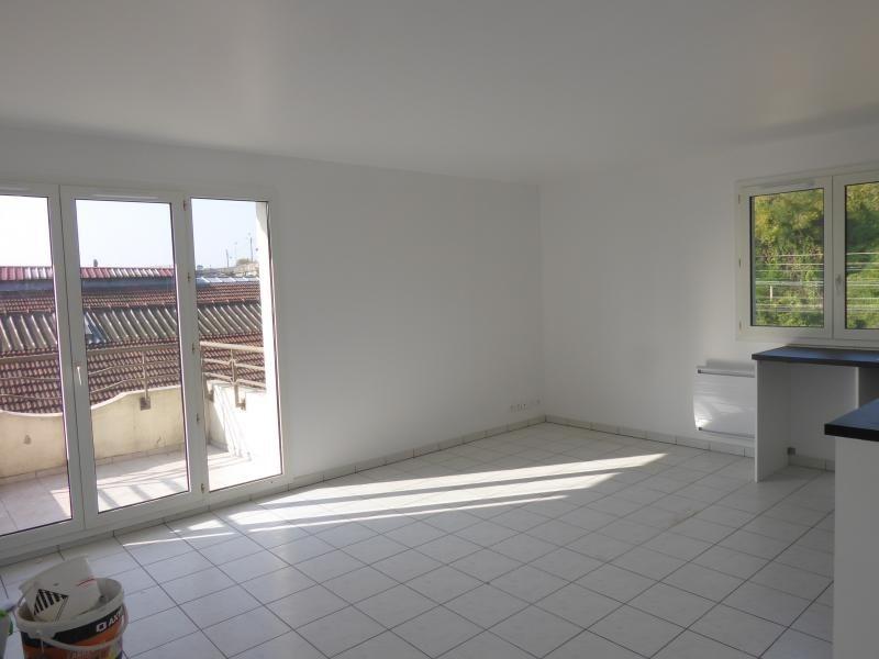 Rental apartment Corbeil essonnes 870€ CC - Picture 4