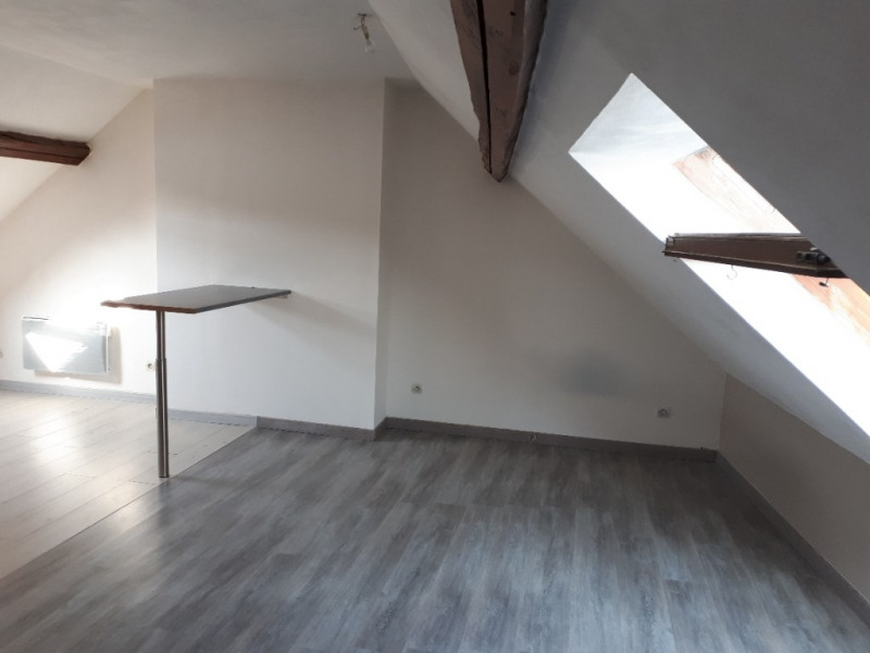Location appartement Saint quentin 335€ CC - Photo 4