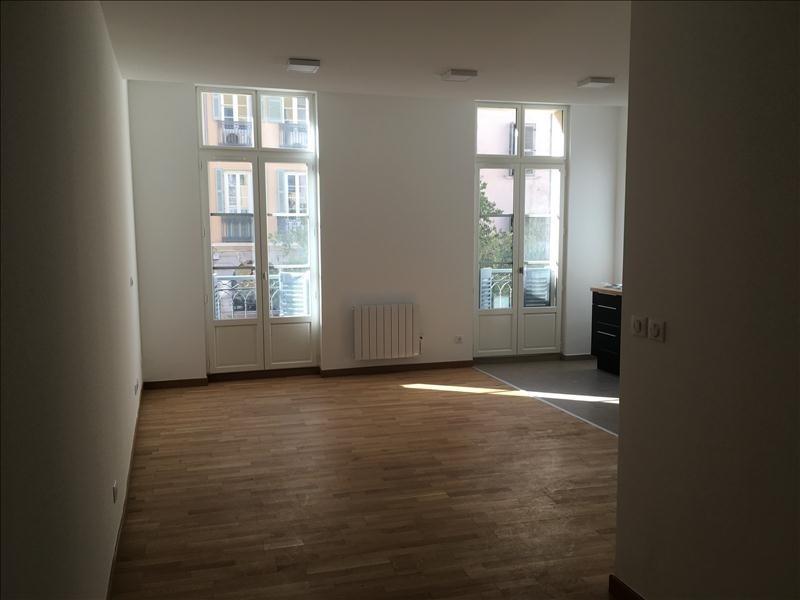 Location appartement Toulon 587€ CC - Photo 3