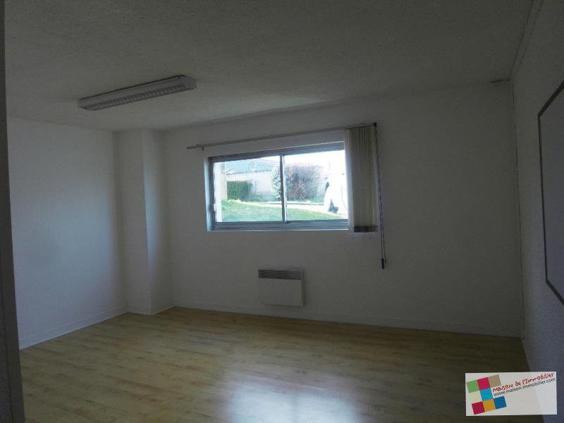 Rental empty room/storage Chateaubernard 661€ CC - Picture 7