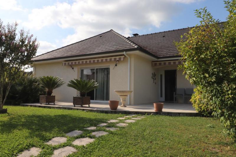 Sale house / villa Gan 320000€ - Picture 1