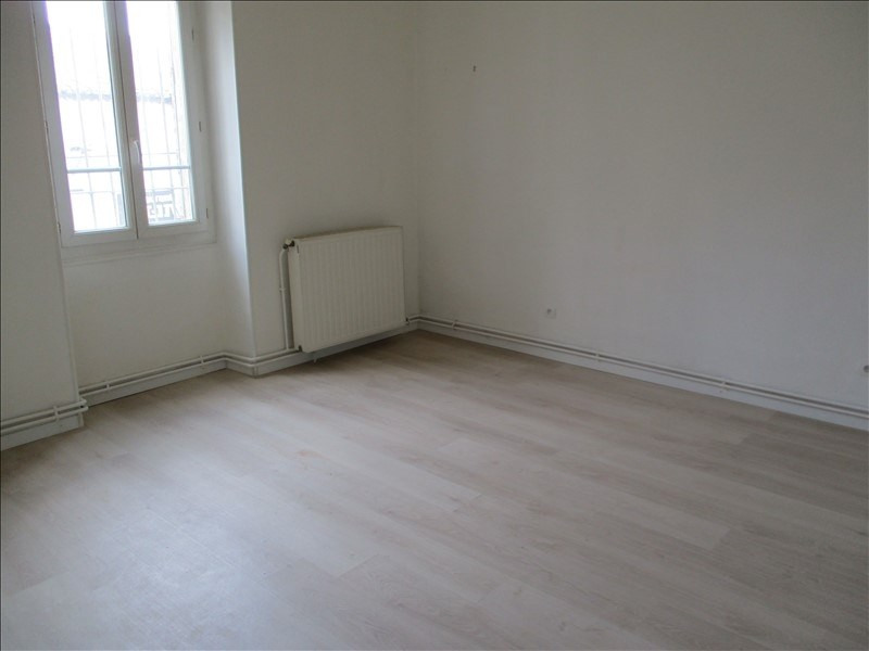 Rental apartment Salon de provence 724€ CC - Picture 4