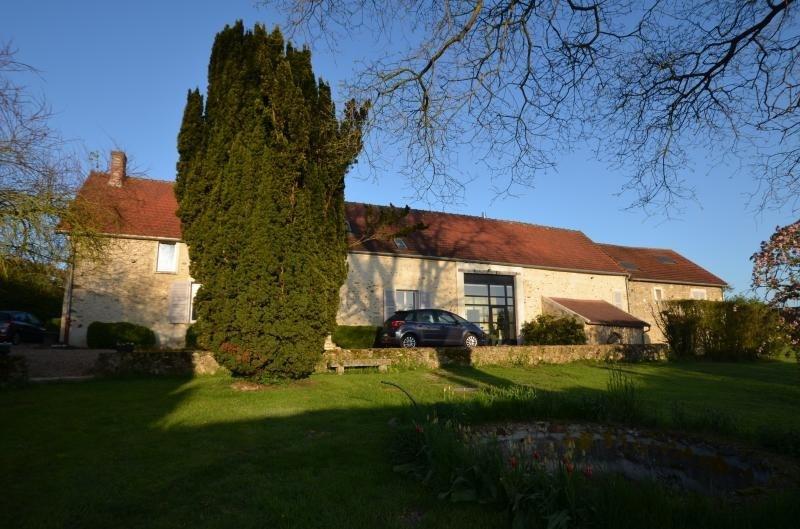 Sale house / villa Montfort l amaury 585000€ - Picture 1
