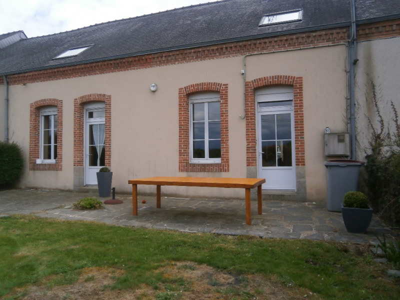 Location maison / villa Renaze 612€ CC - Photo 1