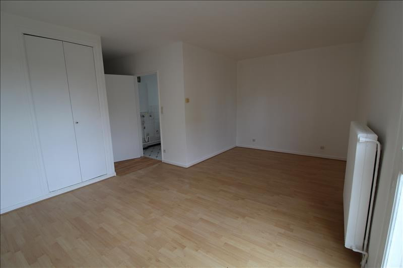 Location appartement Maurepas 649€ CC - Photo 2
