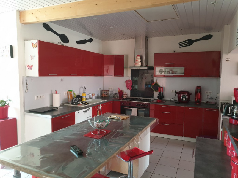Sale house / villa Chaillevette 219 000€ - Picture 3