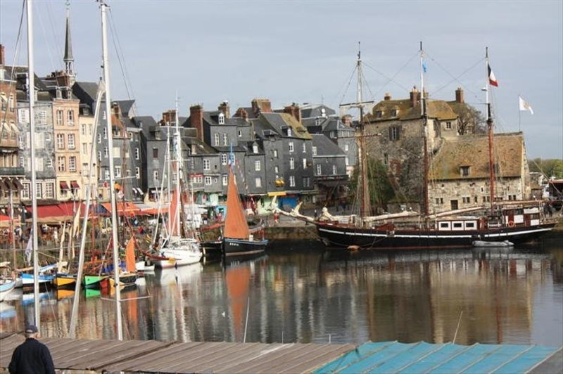 Sale apartment Honfleur 236 300€ - Picture 2