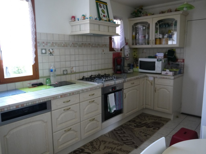 Sale house / villa Lommoye 218 000€ - Picture 3