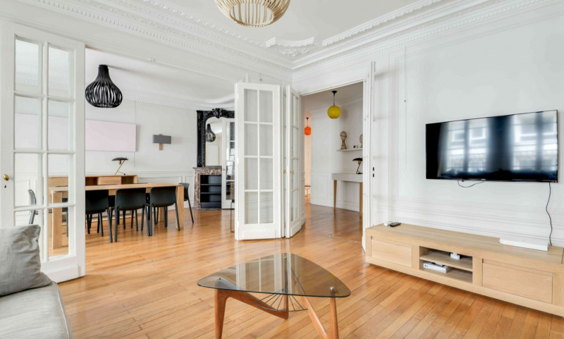 Location appartement Paris 17ème 3 995€ CC - Photo 3