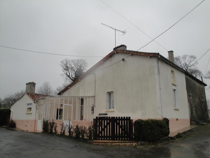 Vente maison / villa Vernoux en gatine 76000€ - Photo 1