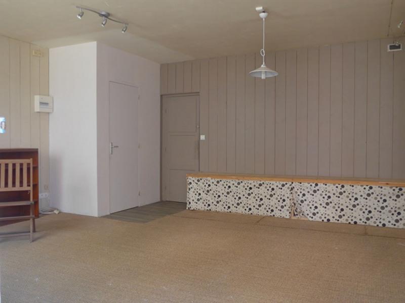 Revenda armazém Le palais 160100€ - Fotografia 3