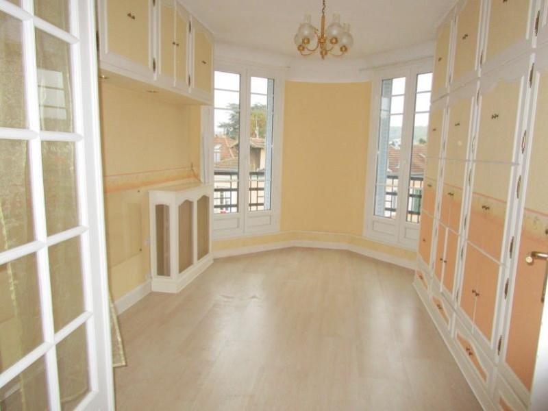Sale apartment Viroflay 215 000€ - Picture 1