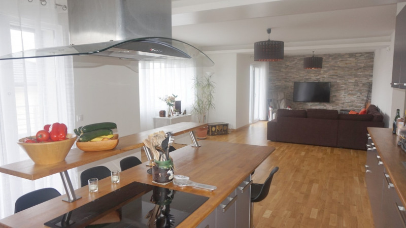 Deluxe sale apartment Bossey 649000€ - Picture 1