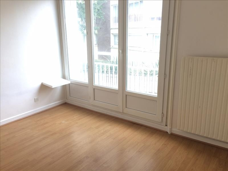 Rental apartment Maurepas 726€ CC - Picture 3