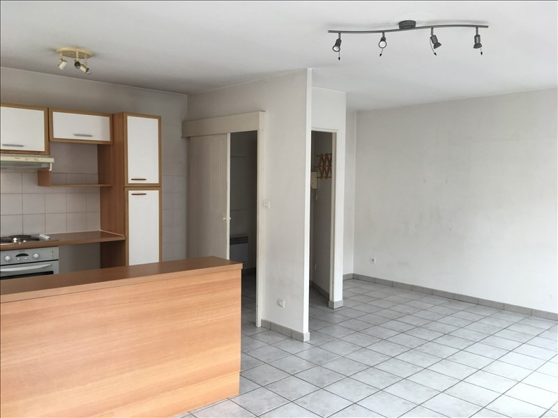 Location appartement Castelginest 655€ CC - Photo 1