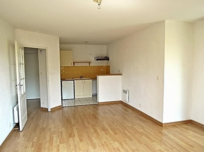 Rental apartment Frouzins 516€ CC - Picture 1