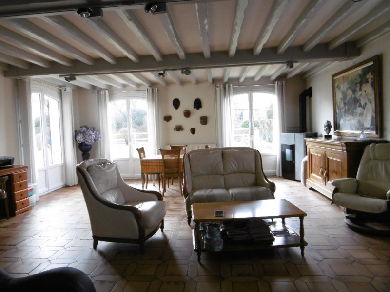Sale house / villa Montmain 320000€ - Picture 9