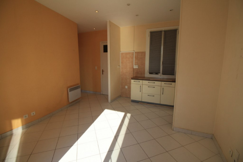 Rental apartment Nice 730€ CC - Picture 4