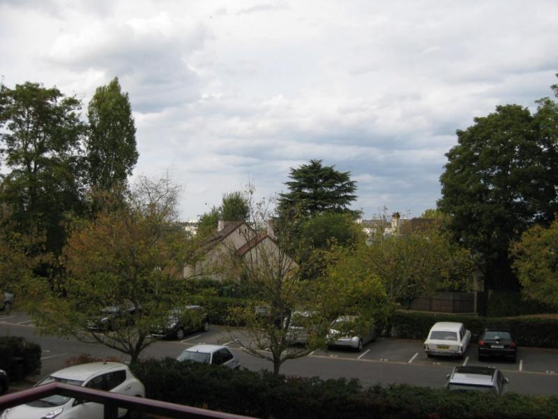Sale apartment Le pecq 249000€ - Picture 2