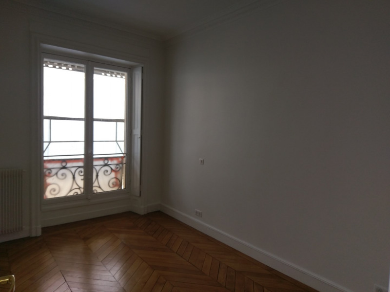 Rental apartment Paris 7ème 5 900€ CC - Picture 8