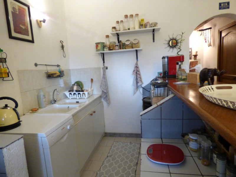 Rental apartment Les milles 850€ CC - Picture 3
