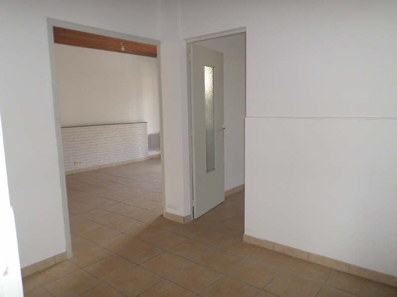 Rental apartment Salon de provence 765€ CC - Picture 10