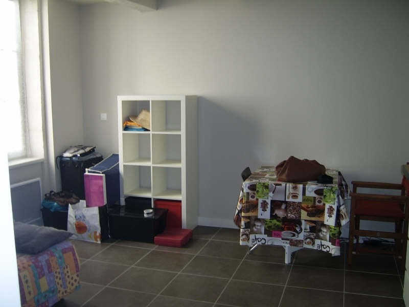 Location appartement Nimes 379€ CC - Photo 2