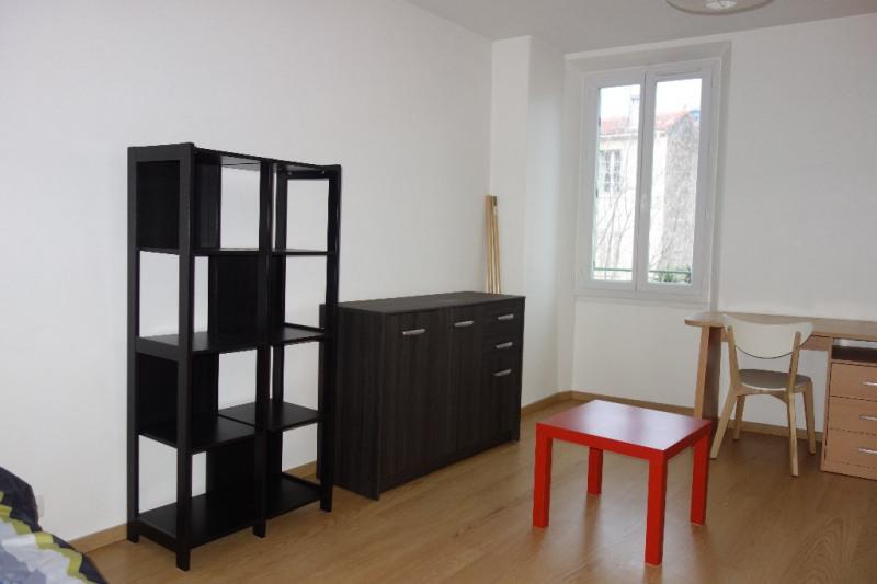 Locação apartamento Toulon 460€ CC - Fotografia 3