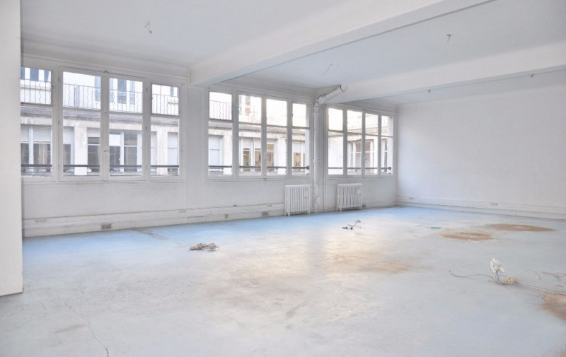Sale office Paris 10ème 1 742 300€ - Picture 4