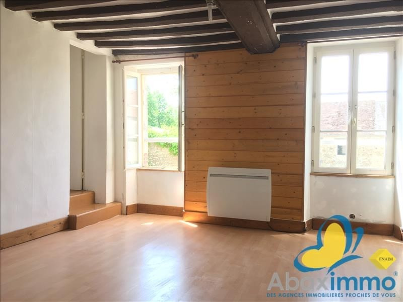 Location maison / villa Crocy 655€ CC - Photo 8