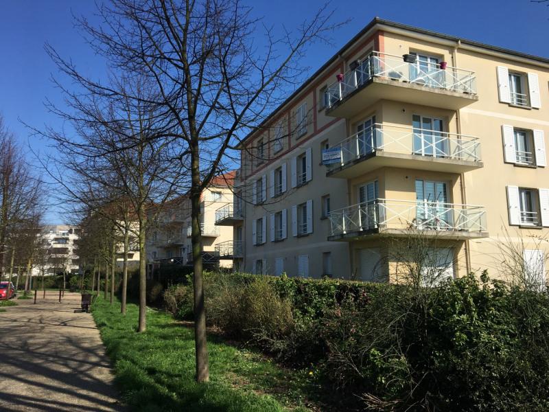 Rental apartment Éragny 875€ CC - Picture 1