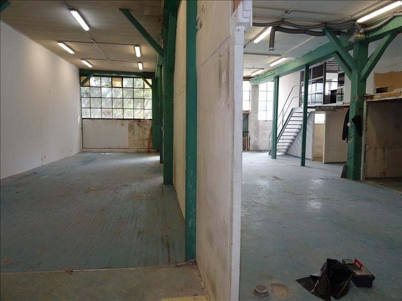 Location local commercial St denis 2000€ HT/HC - Photo 3