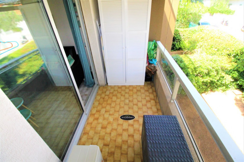 Sale apartment Saint laurent du var 115 000€ - Picture 4