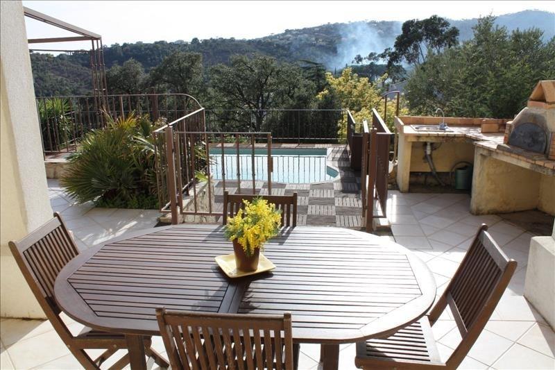 Deluxe sale house / villa Les issambres 840000€ - Picture 3