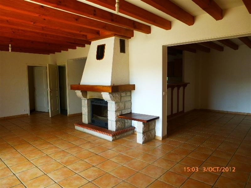 Location maison / villa Saint pée sur nivelle 1 200€ CC - Photo 4