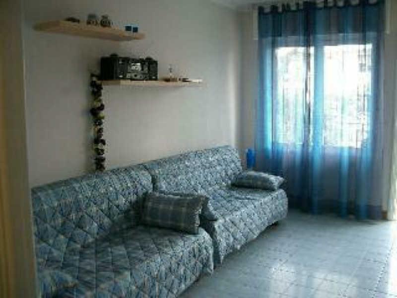 Location appartement Menton 499€ CC - Photo 3
