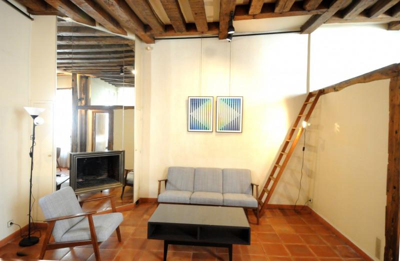 Rental apartment Paris 3ème 2500€ CC - Picture 1